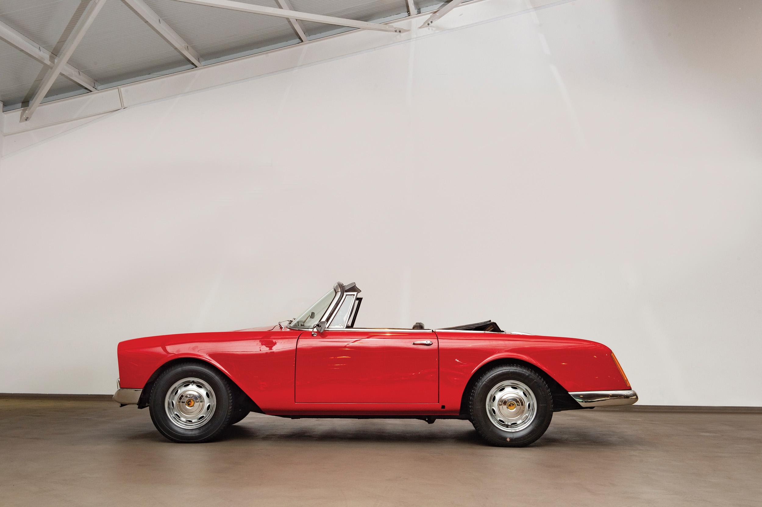 1961 Facel Vega F2 Facellia Cabriolet (Credit- Tom Wood ©2019 Courtesy of RM Sotheby's) - Portuguese Sale