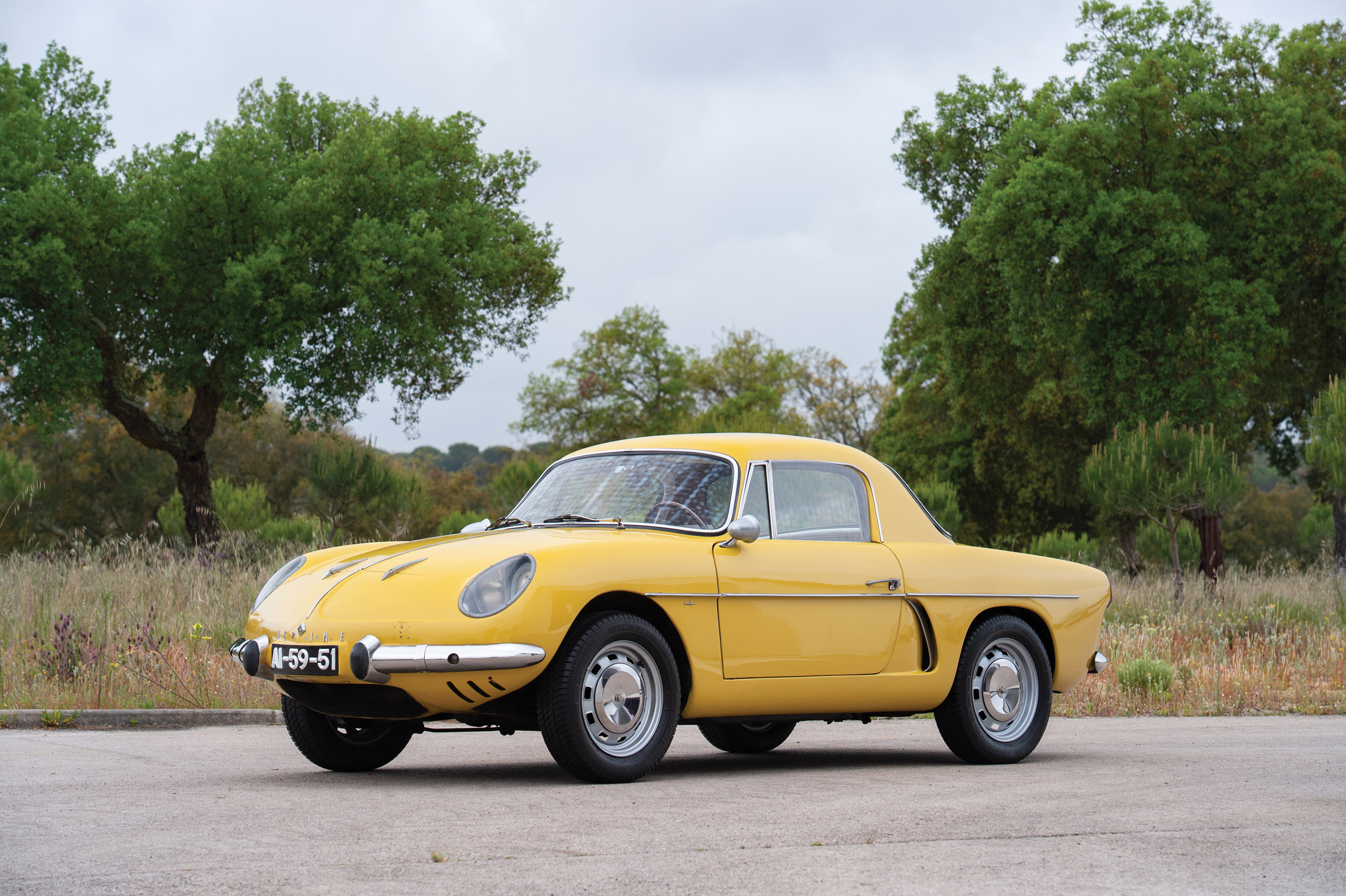 1963 Willys Interlagos (Credit- Tom Wood ©2019 Courtesy of RM Sotheby's) - Portuguese Sale
