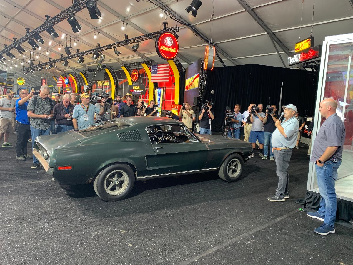 Bullitt Mustang - Dana Mecum and Sean Kiernan Address the Crowd at Mecum Auctions in Monterey