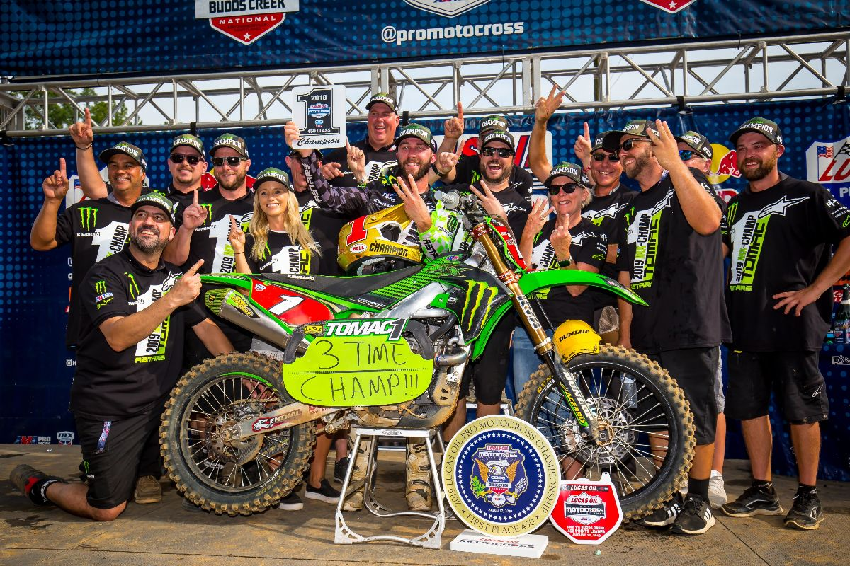 Eli Tomac swept both motos to clinch a third straight 450 Class championship - Budds Creek