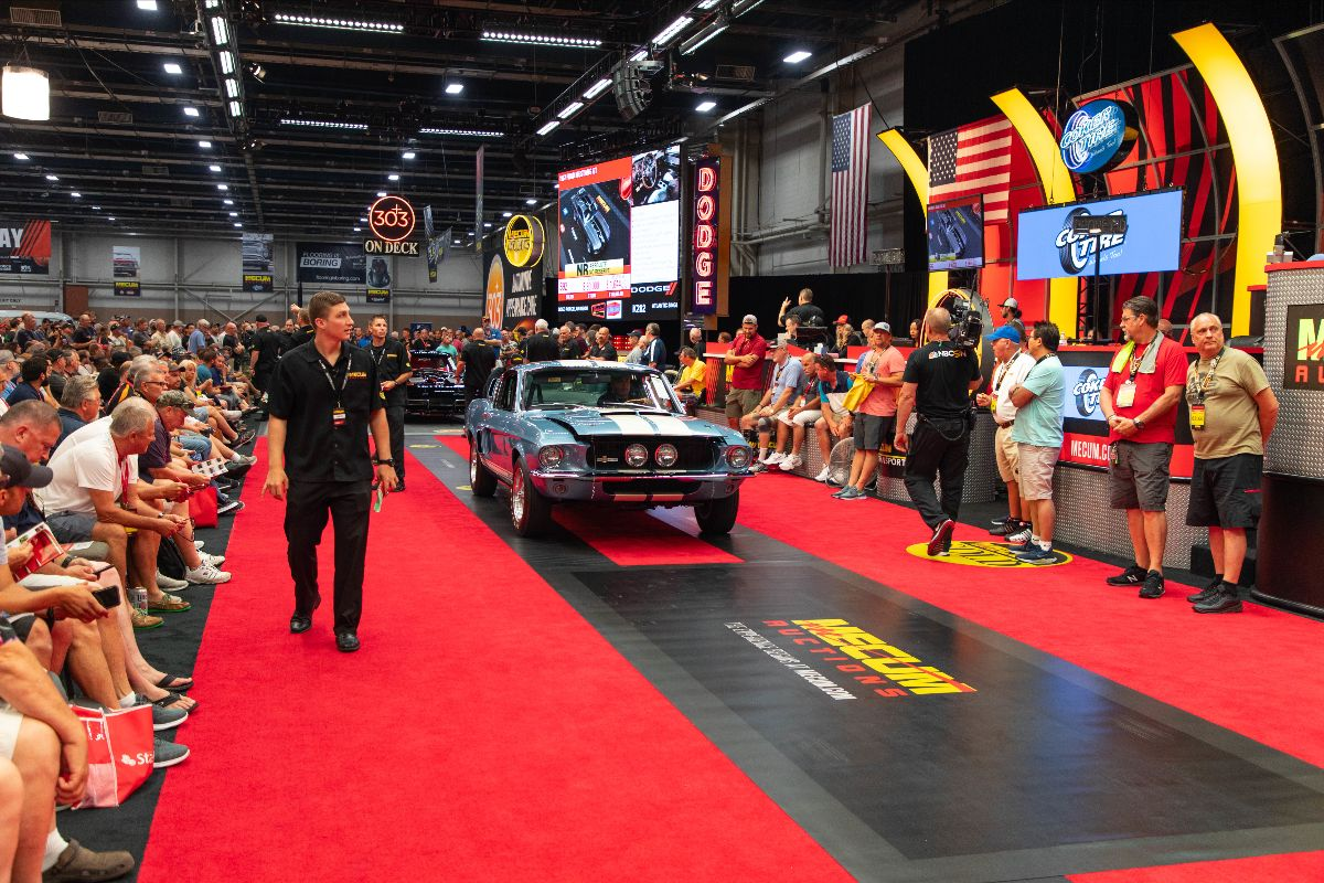 Mecum Harrisburg - 1967 Shelby GT500 Fastback Shelby No. 01807, 428 CI, 4-Speed (Lot S93)