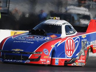 Funny Car - Robert Hight - AAA INSURANCE NHRA MIDWEST NATIONALS action (2) [678]