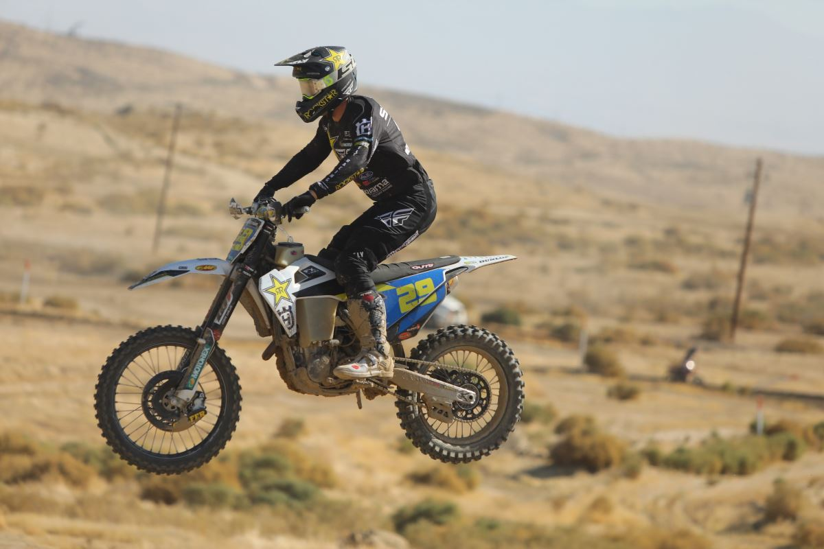 Andrew Short Fights Hard in Dusty WORCS Conditions [2]