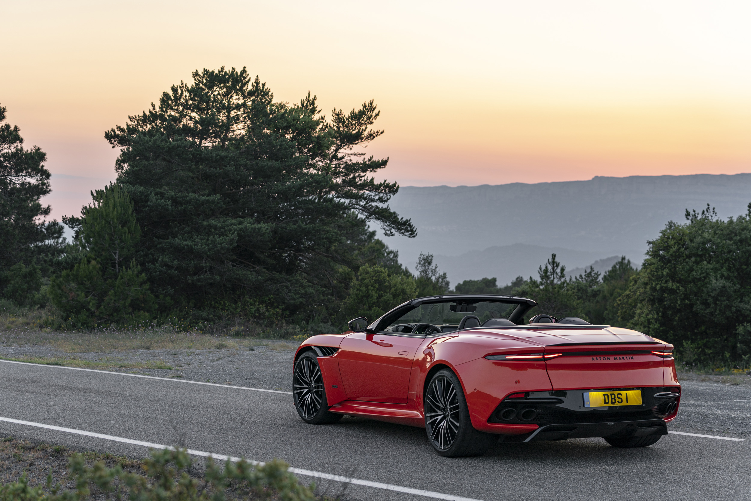 Aston Martin DBS Superleggera Volante - Sportscar of the Year [2]