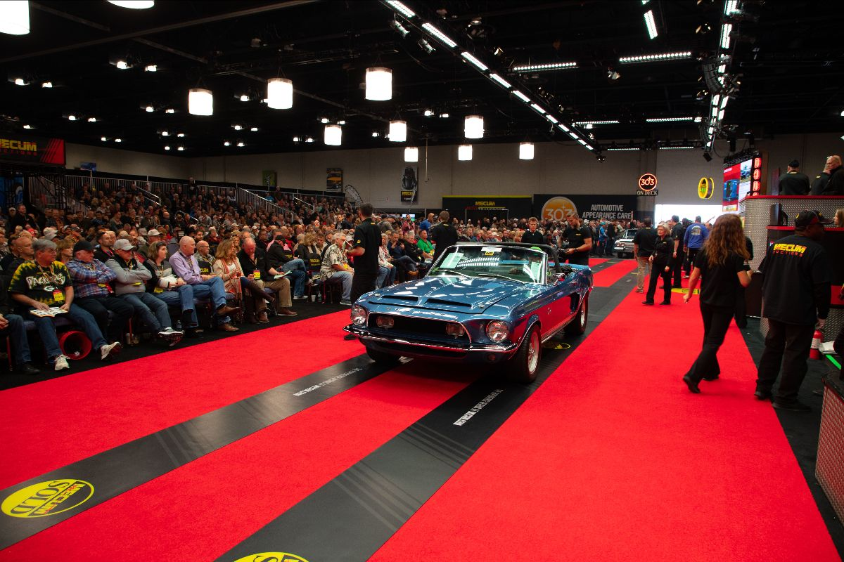 191101 Mecum Chicago - 1968 Shelby GT500KR Convertible (Lot T39)
