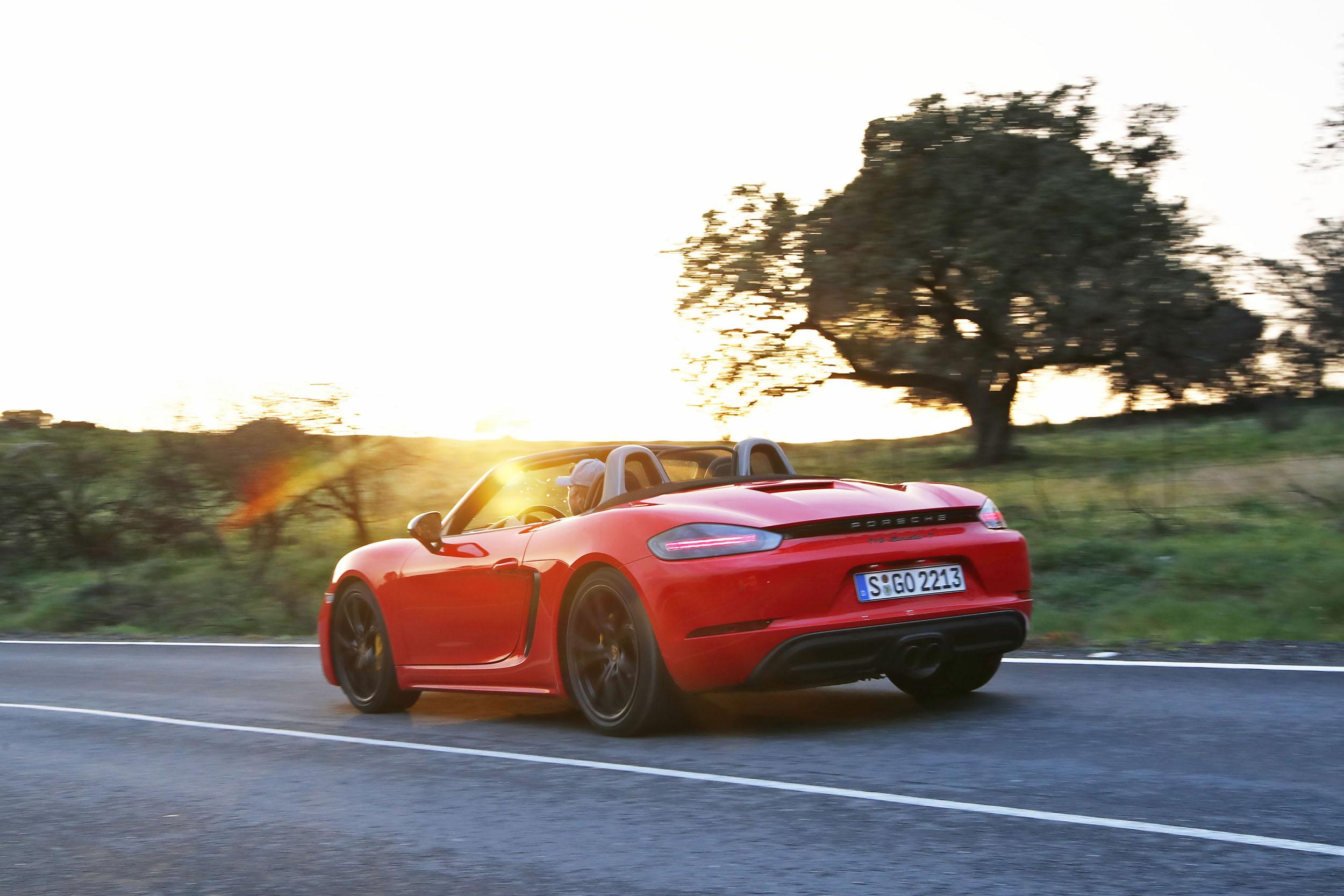 The 2020 Porsche 718 Boxster T [2]