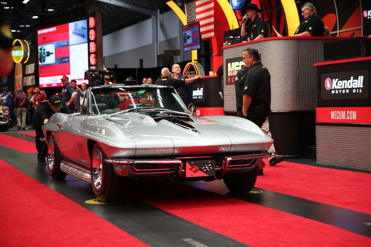 191210 Mecum Kansas City - 1967 Chevrolet Corvette Convertible (Lot S111) sold at $181,500