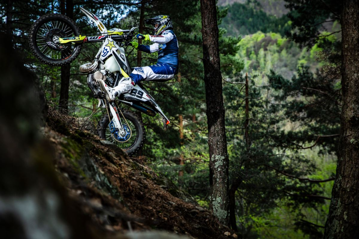 191216 Husqvarna Motorcycles Extend Contract with Alfredo Gomez [2]