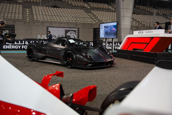191216 The Pagani Zonda Aether takes the stage at RM Sotheby's first Abu Dhabi sale at the Formula 1 Etihad Airways Abu Dhabi Grand Prix (Tom Gidden © 2019 Courtesy of RM Sotheby's)