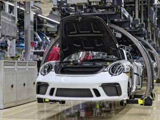 191222 Last Porsche 911 of the 991 generation comes off the production line [678]