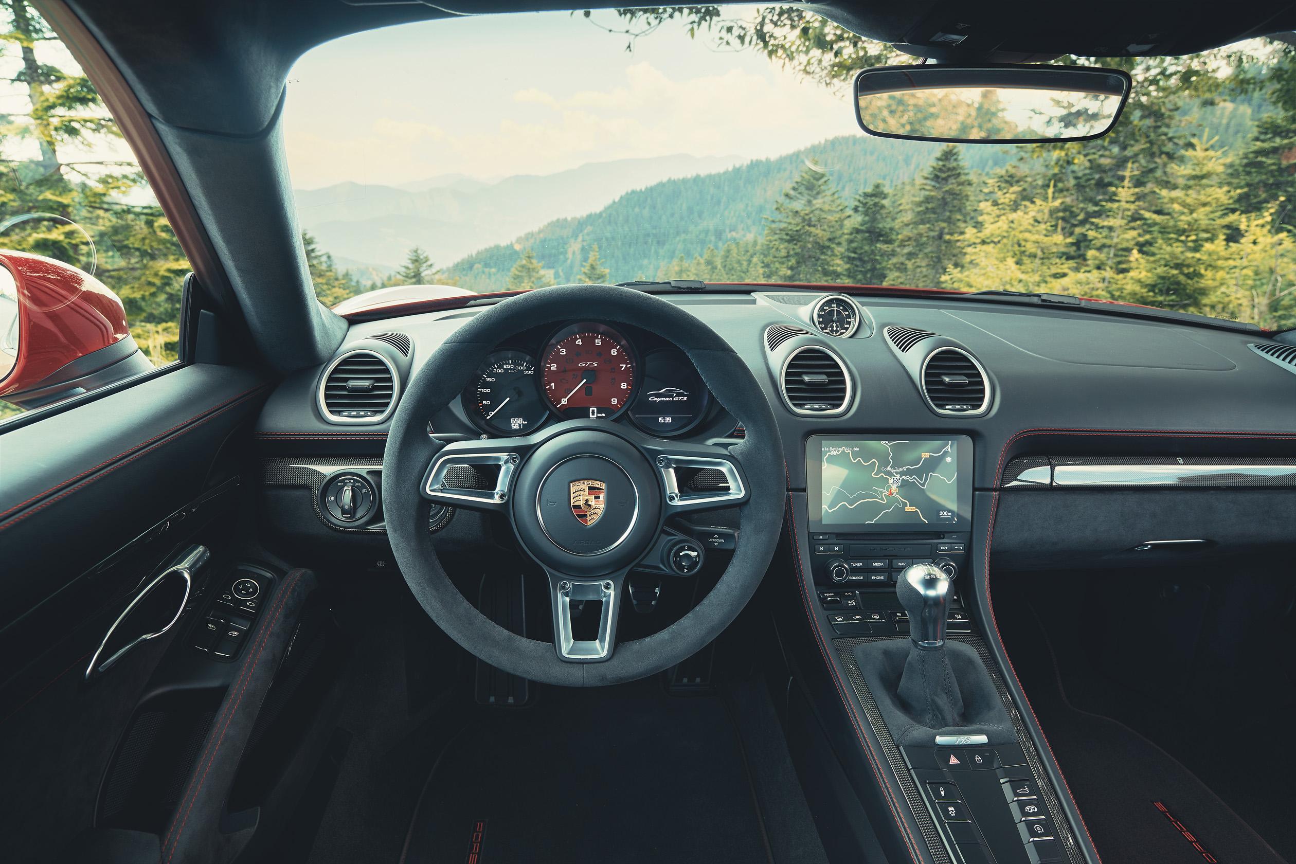 2020 Porsche 718 Cayman GTS 4.0 Interior