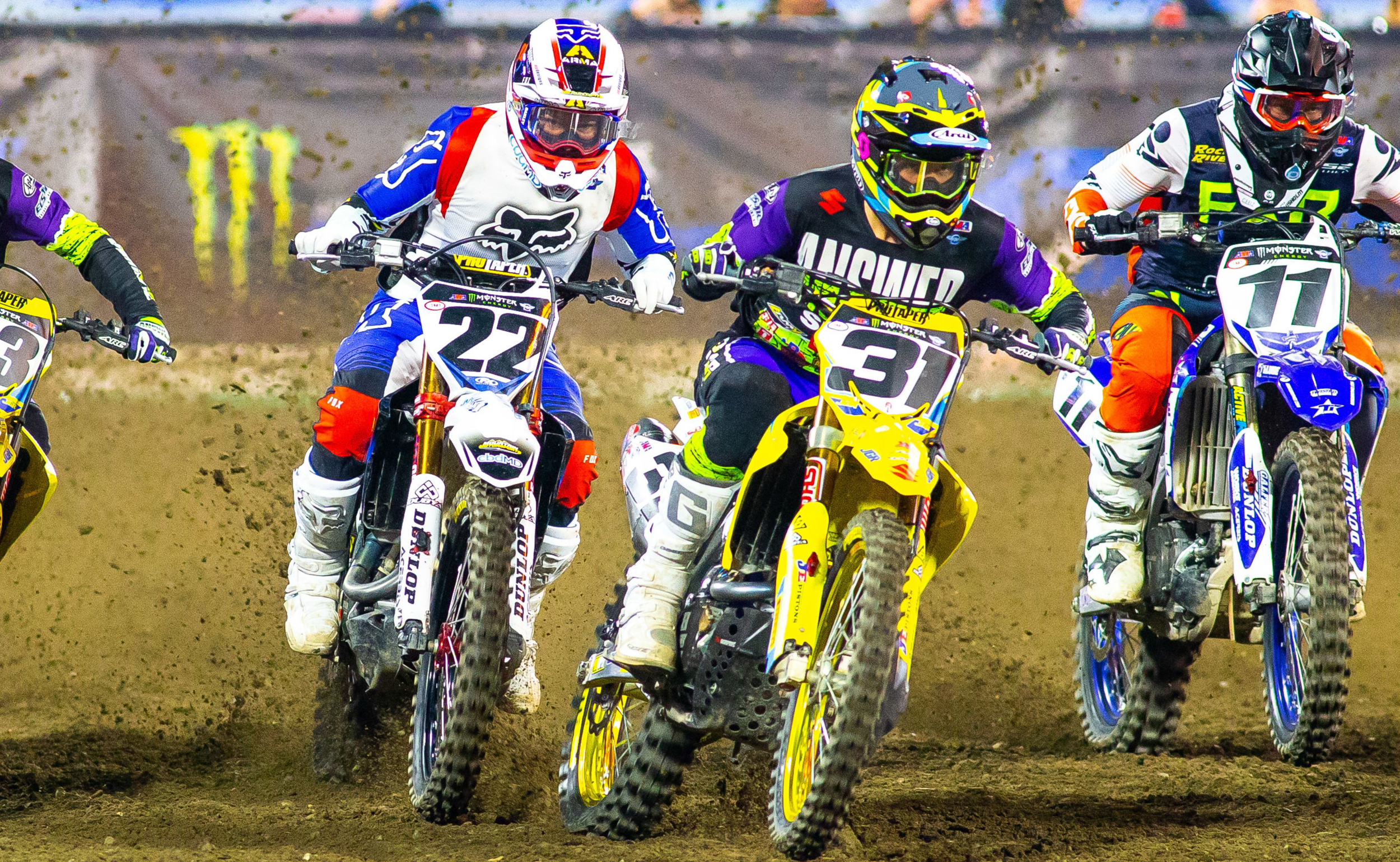 Freddie Noren (#31) put his RM-Z450 upfront during the 450SX Main Event. [2]