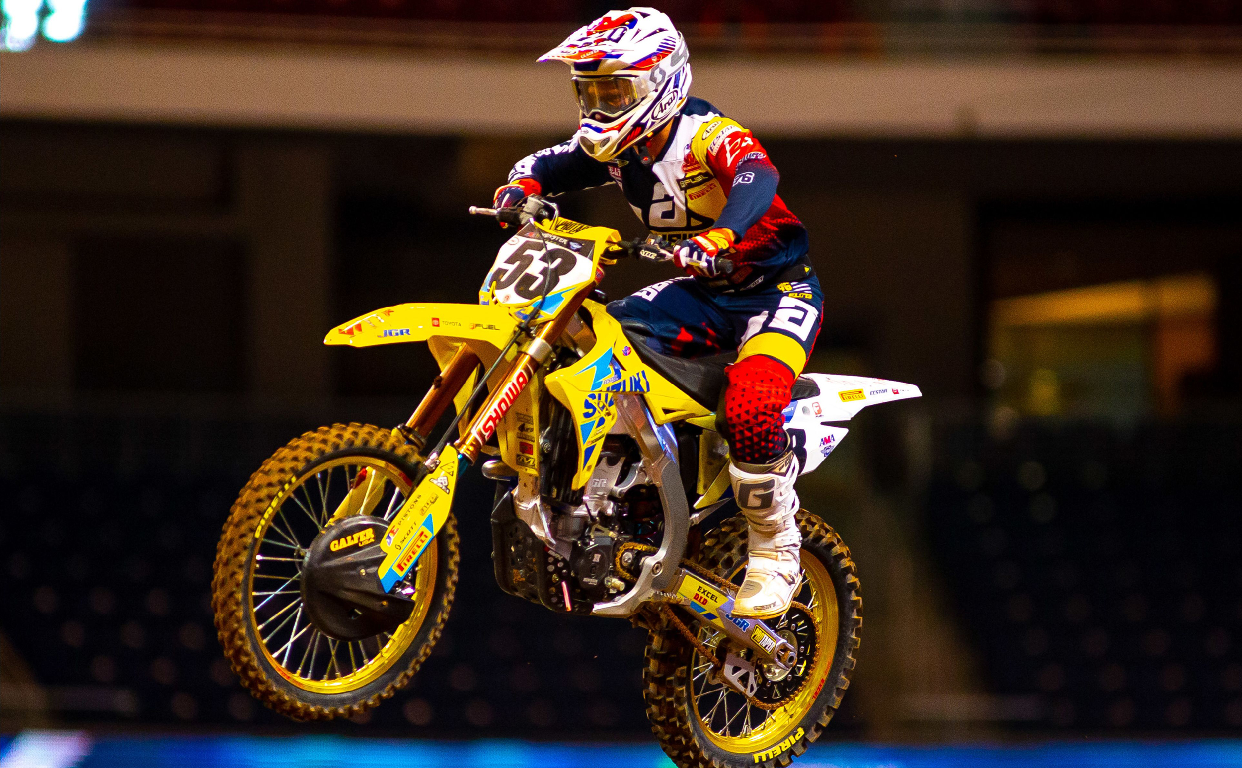 Fredrik Noren (#53) rode strong on his RM-Z450 until a foot injury took him out of the race[3]