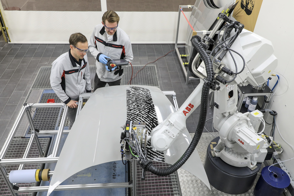 200225 Porsche Direct Printing- Automated printing in the technology cell