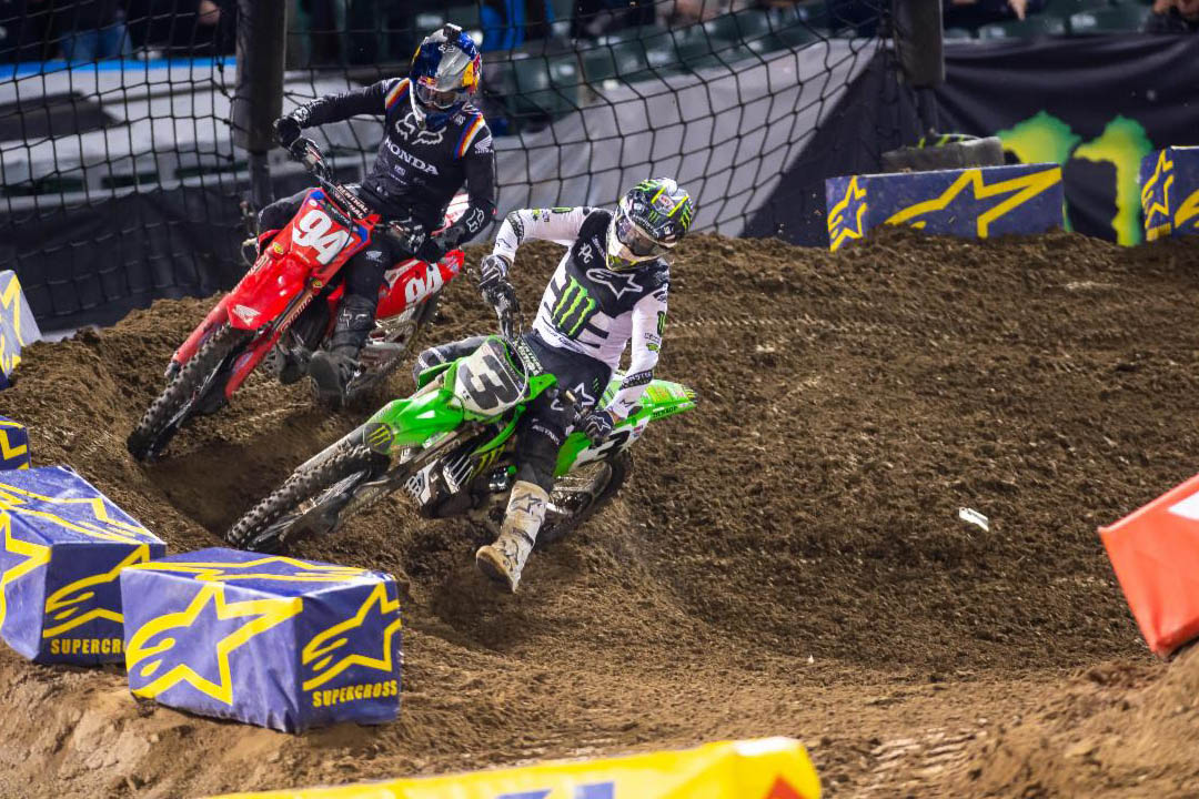Eli Tomac takes the lead on his way to his 29th 450SX Class win