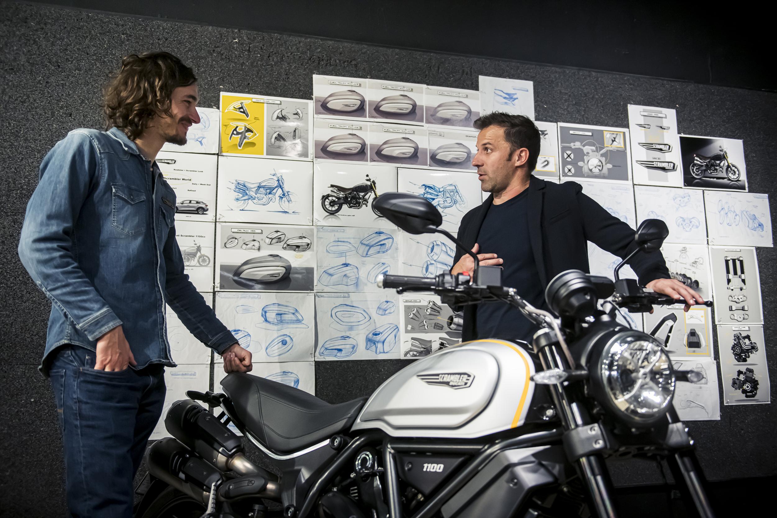 Jeremy Faraud and Alessandro Del Piero [6]