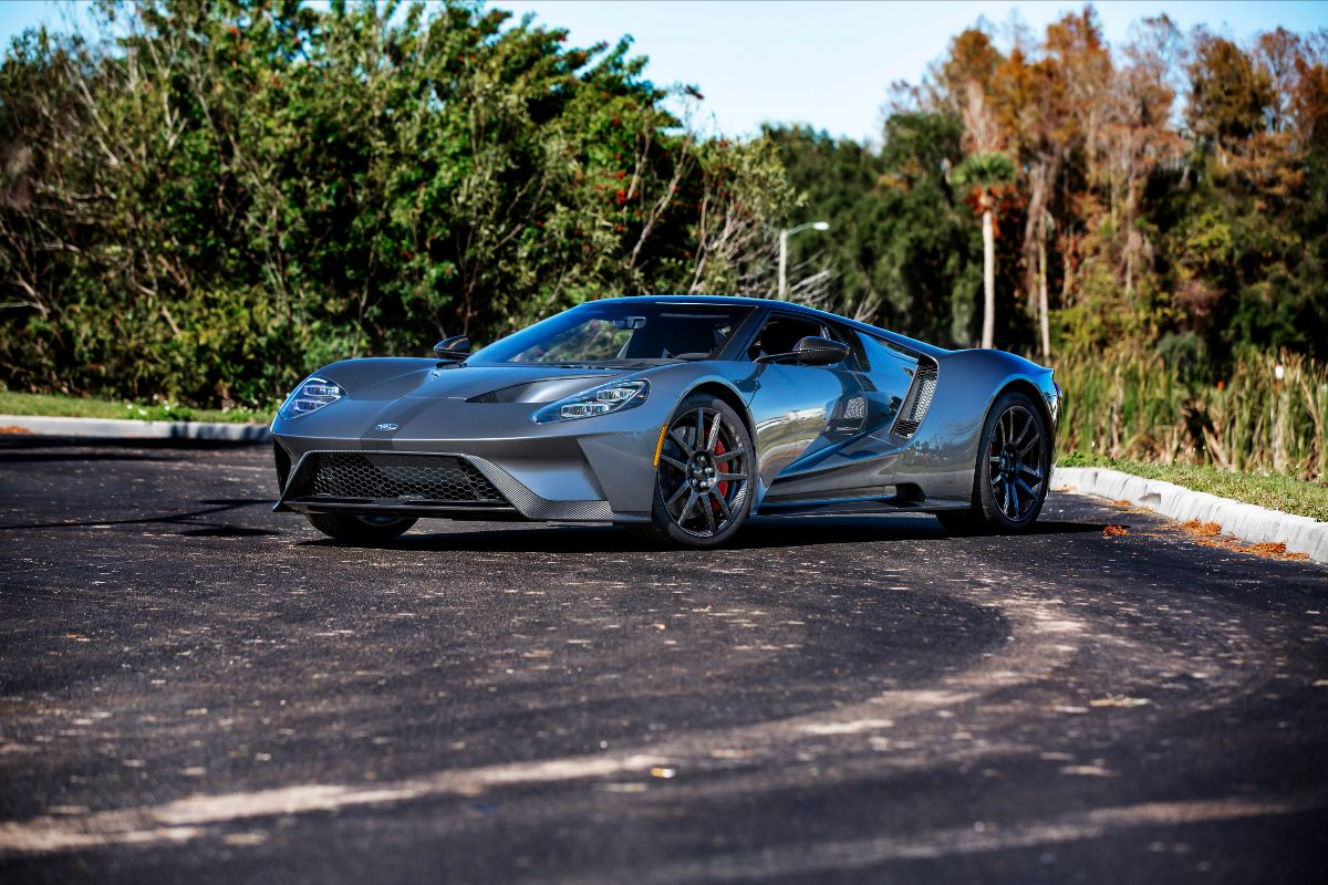 Mecum Glendale 2020 Collector-Car Auction - 2017 Ford GT Competition Series (Lot S117)