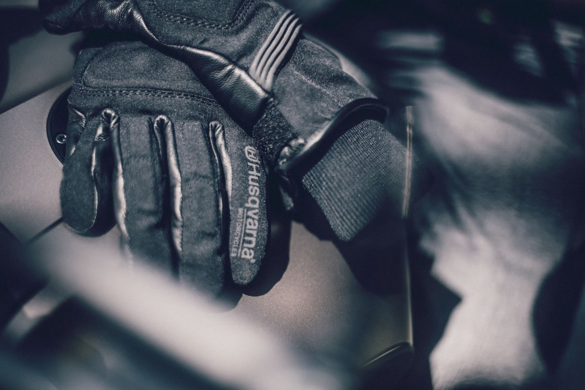 Pursuit Gloves