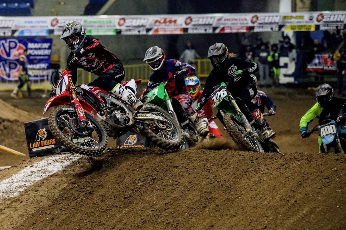 The 450 Pro Main class in Round 7 was a tight battle. (Photo- Jack Jaxson)
