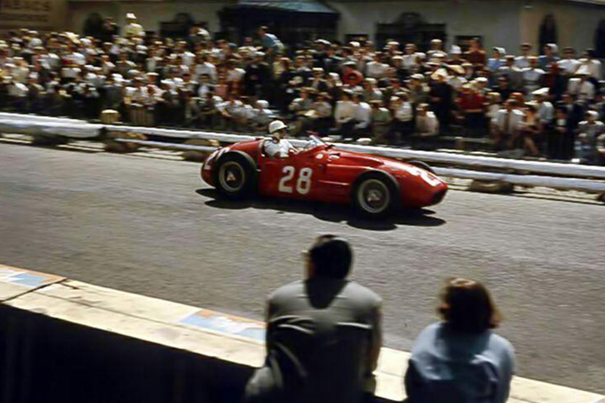 200414 Sir Stirling Moss- a big loss for Maserati and the entire Motorsport World (2)