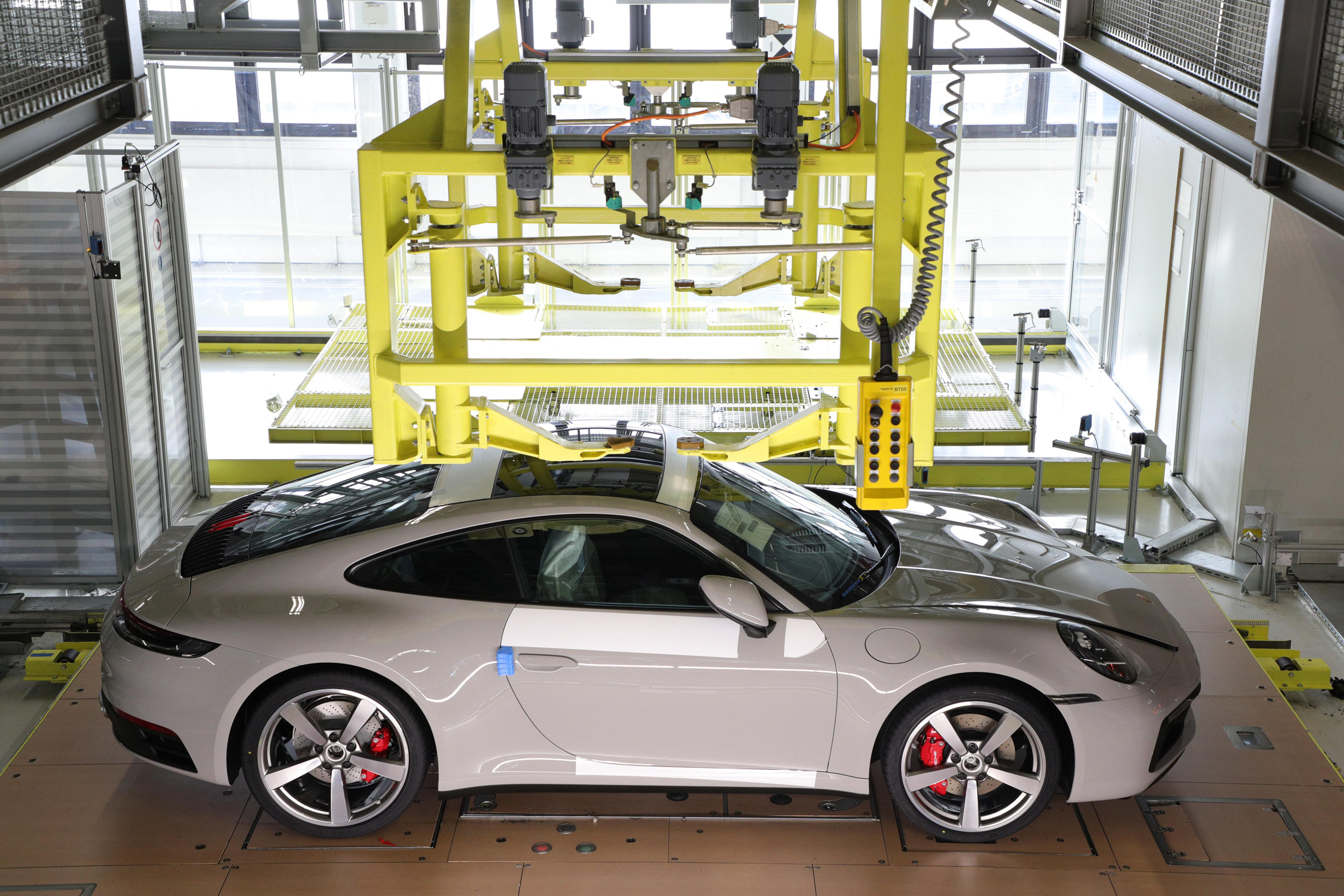 200519 Behind the Scenes - seeing your Porsche in production