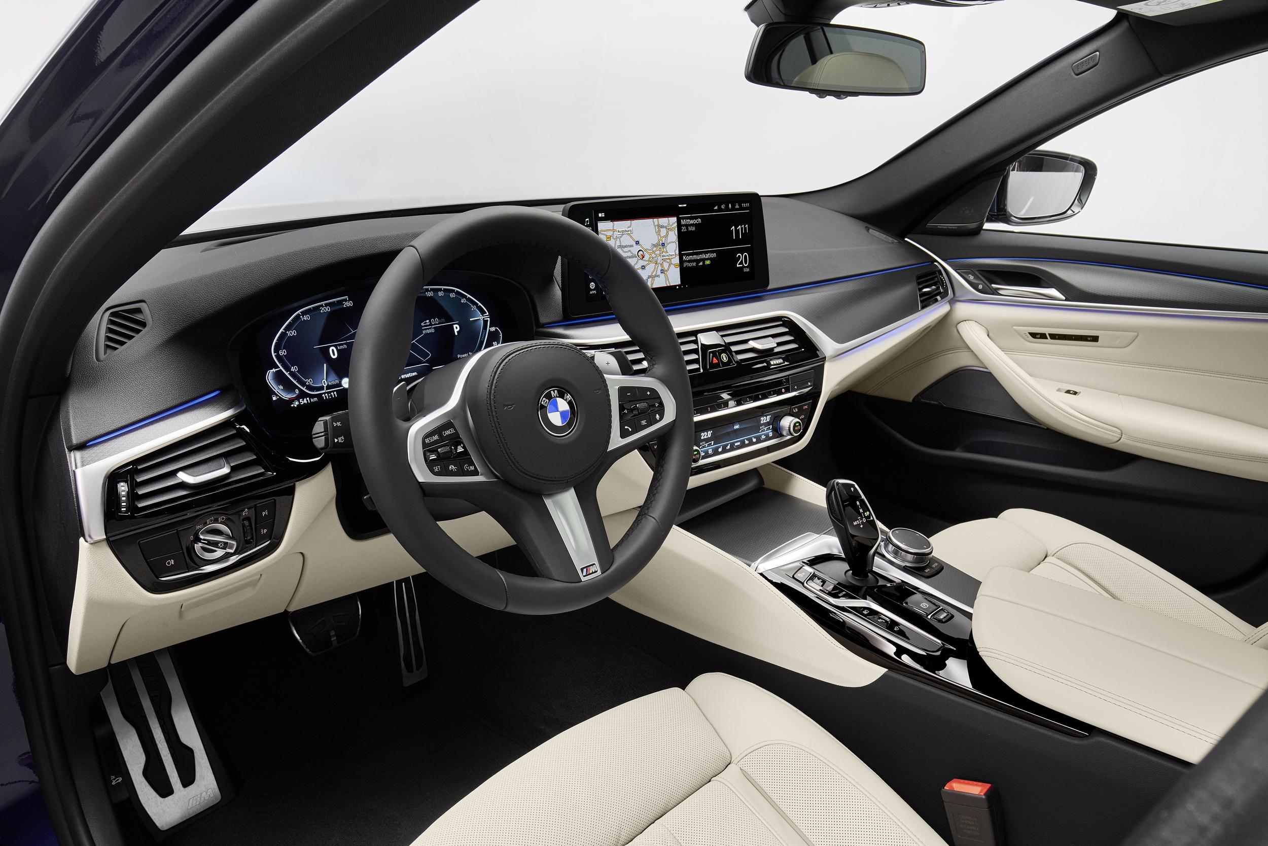 The new BMW 530e xDrive Sedan (1)
