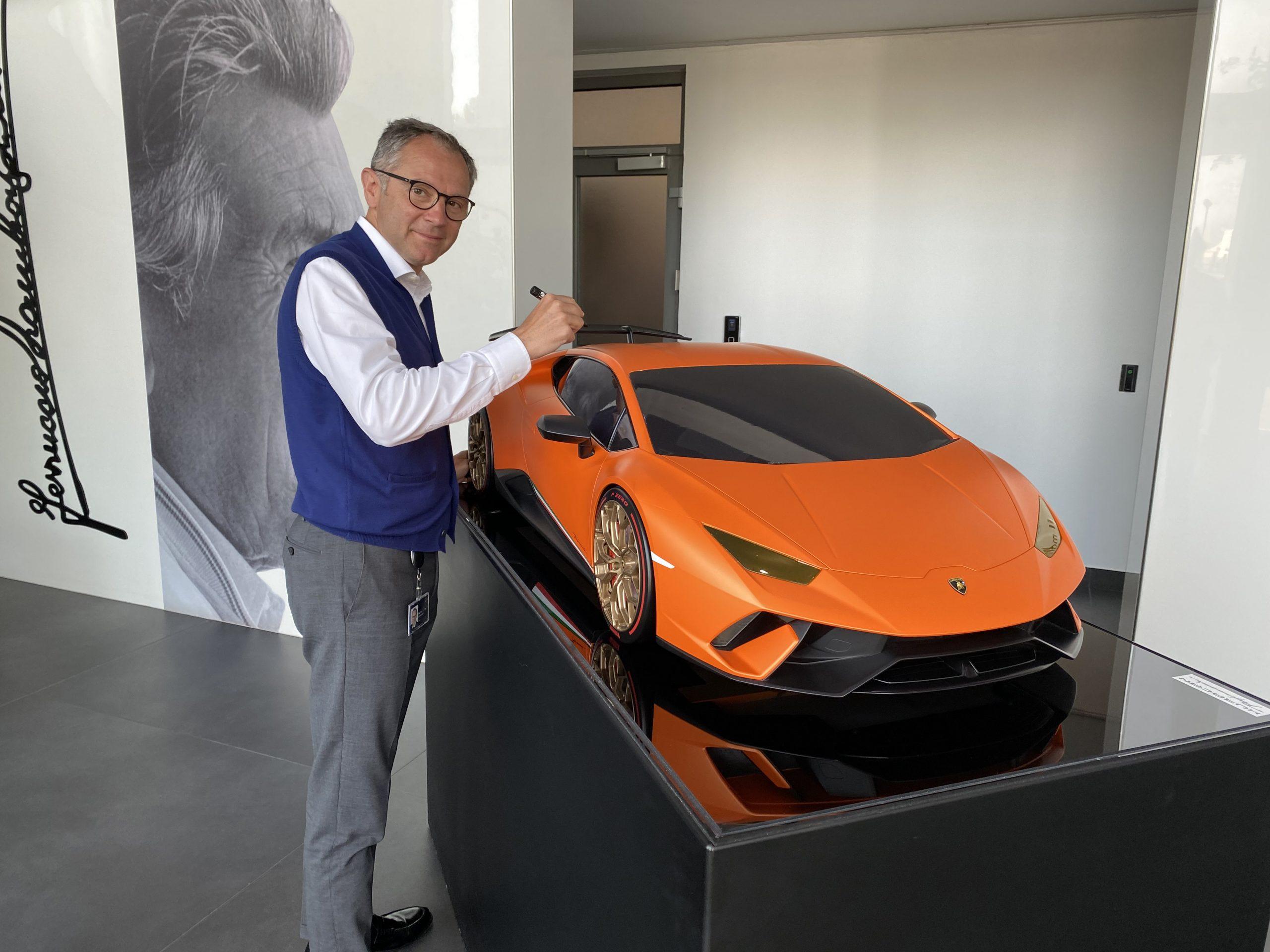 A sensational scale model Lamborghini Huracán Performante donated by Automobili Lamborghini Spa