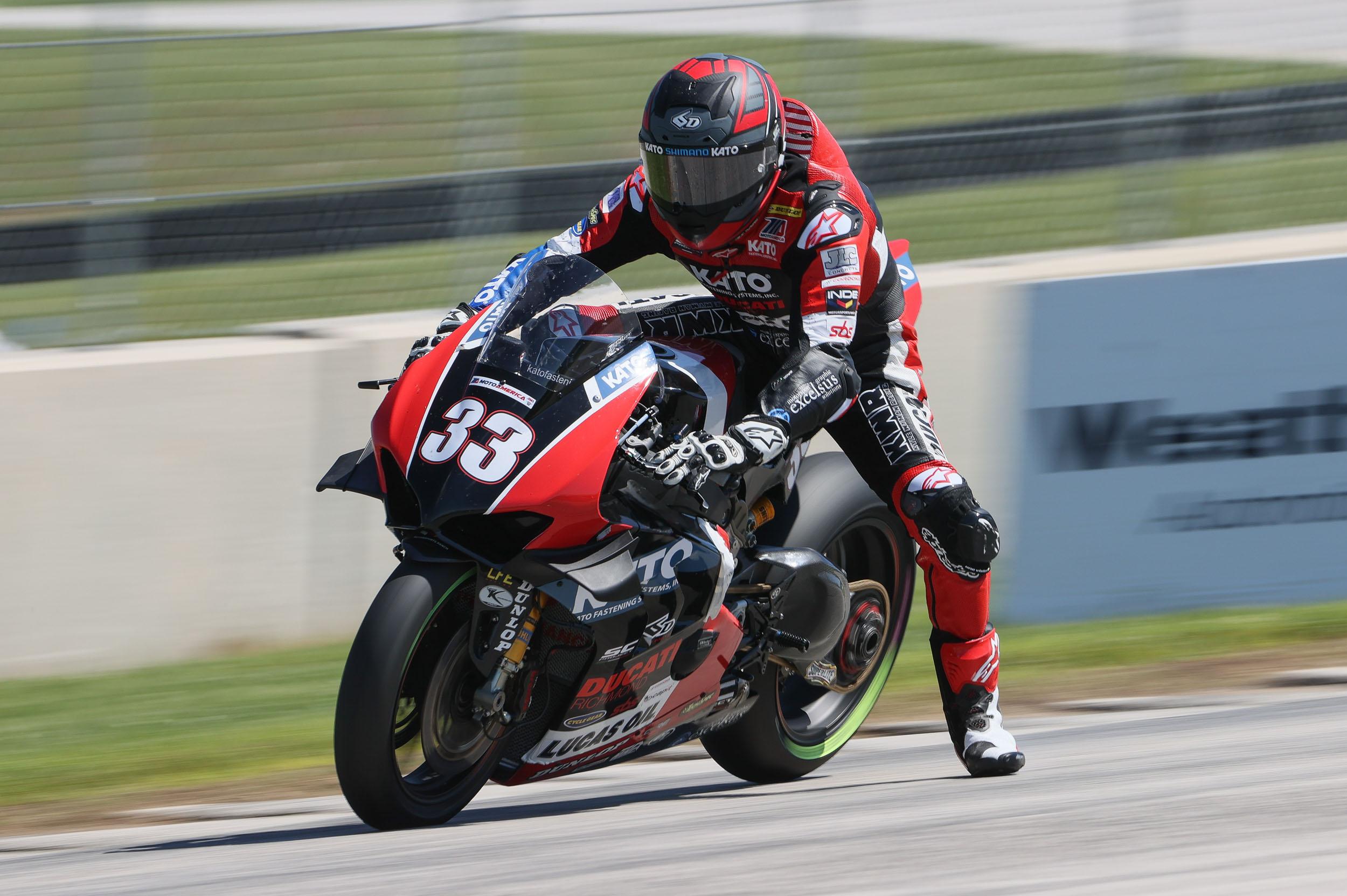 MotoAmerica - Superbike - Kyle Wyman #33 (2)
