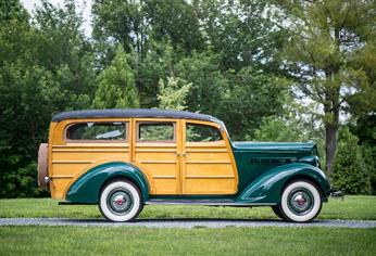 200701-1940-Buick-Super-Estate-Wagon-(Credit-–-Greg-Keysar-©2020-Courtesy-of-RM-Sotheby's)-(2)
