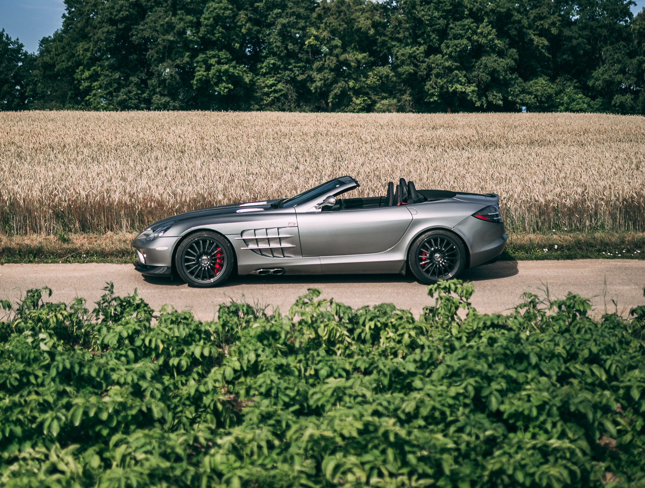 200723 2009 Mercedes-Benz SLR McLaren 722 S Roadster (Credit – Stephan Bauer ©2020 Courtesy of RM Sotheby's)