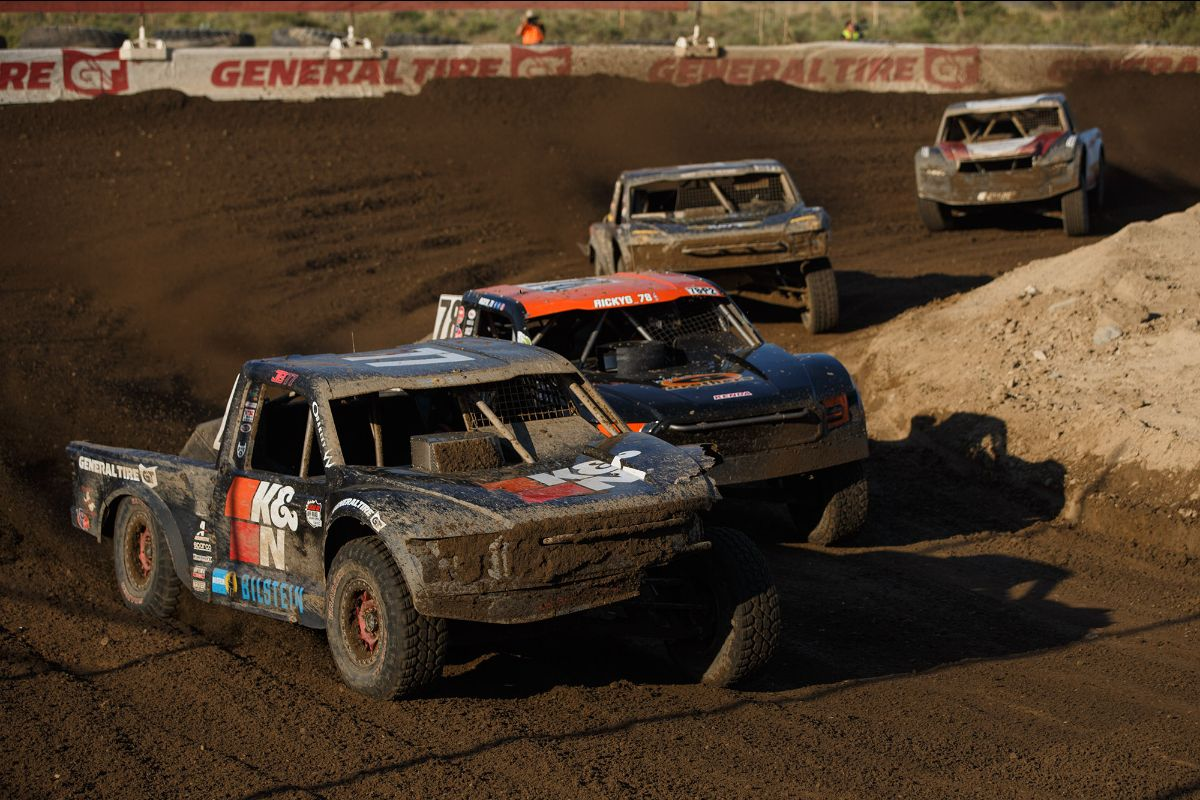 200729 Reigning Pro 2 champion Jerett Brooks (front) opened the season with an impressive win on Saturday