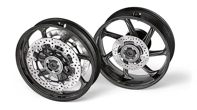 BMW Motorrad presents M Performance carbon fibre wheel sets for the BMW S 1000 RR (678.1)