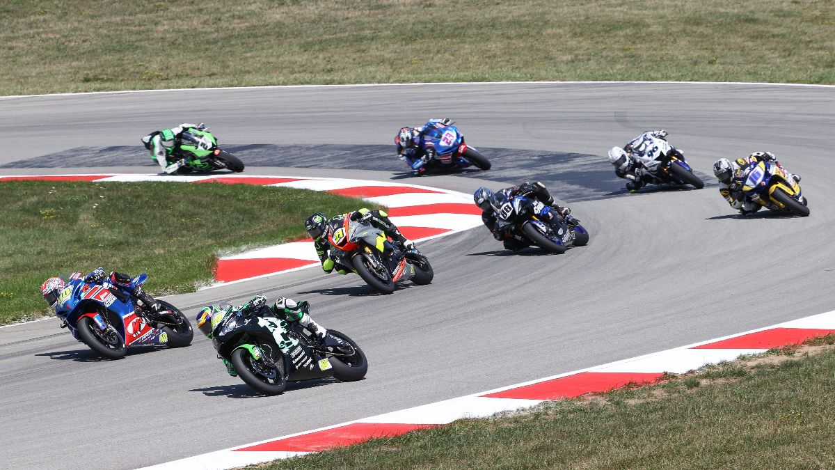 Supersport action was fast and furious at PittRace