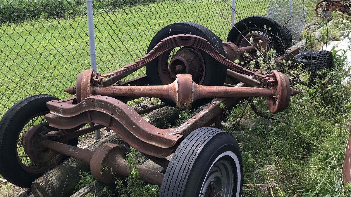 200901 1928-'31 Ford Model A Frames and Axles (Lot 579)