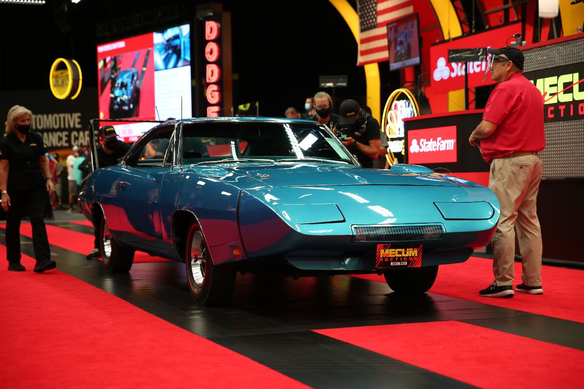 200903 1969 Dodge Daytona 440 CI, One of 503 Produced (Lot S108) sold at $198,000