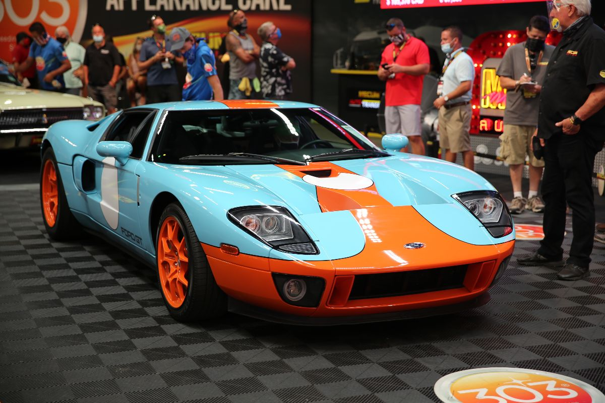 200903 2006 Ford GT Heritage Edition Supercharged 5.4L:550 HP, 3,600 Miles (Lot S115) sold at $412,500