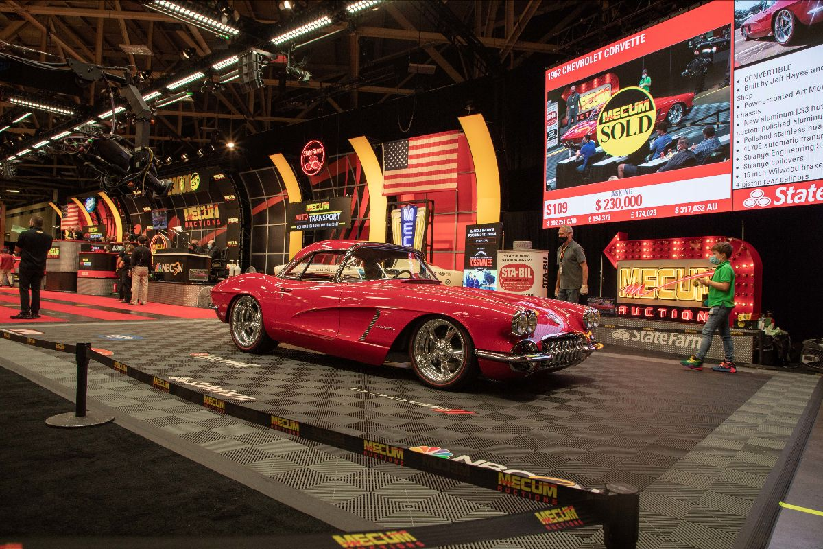1962 Chevrolet Corvette Convertible LS3, Automatic (Lot S109) sold at $242,000 - Mecum Dallas