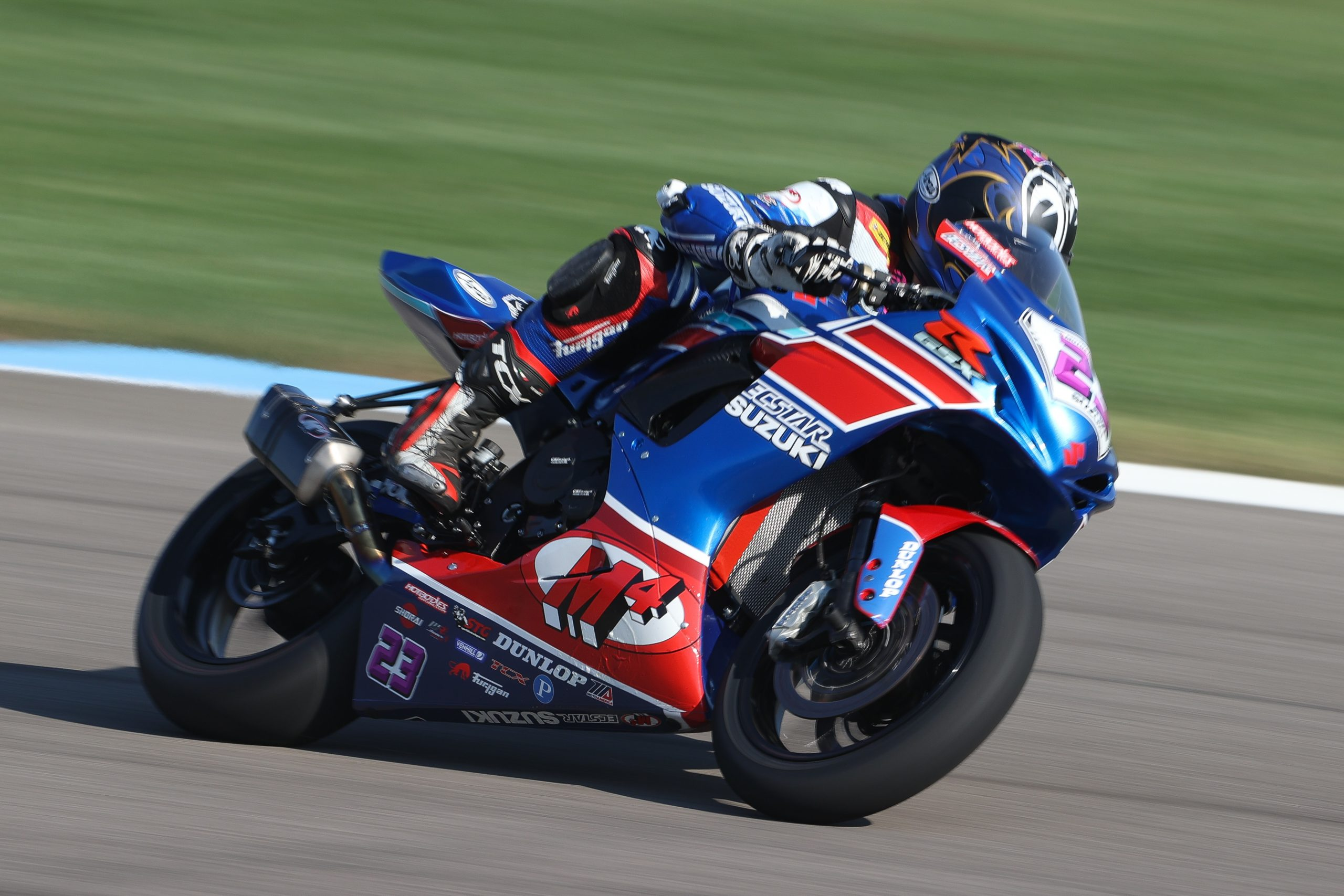 201012 Lucas Silva (#23) continued his streak of top-ten finishes on his GSX-R600 at Indy