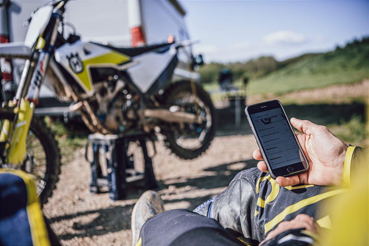 201014 myHusqvarna app - Motocross Technical Accessories MY2021 (3)