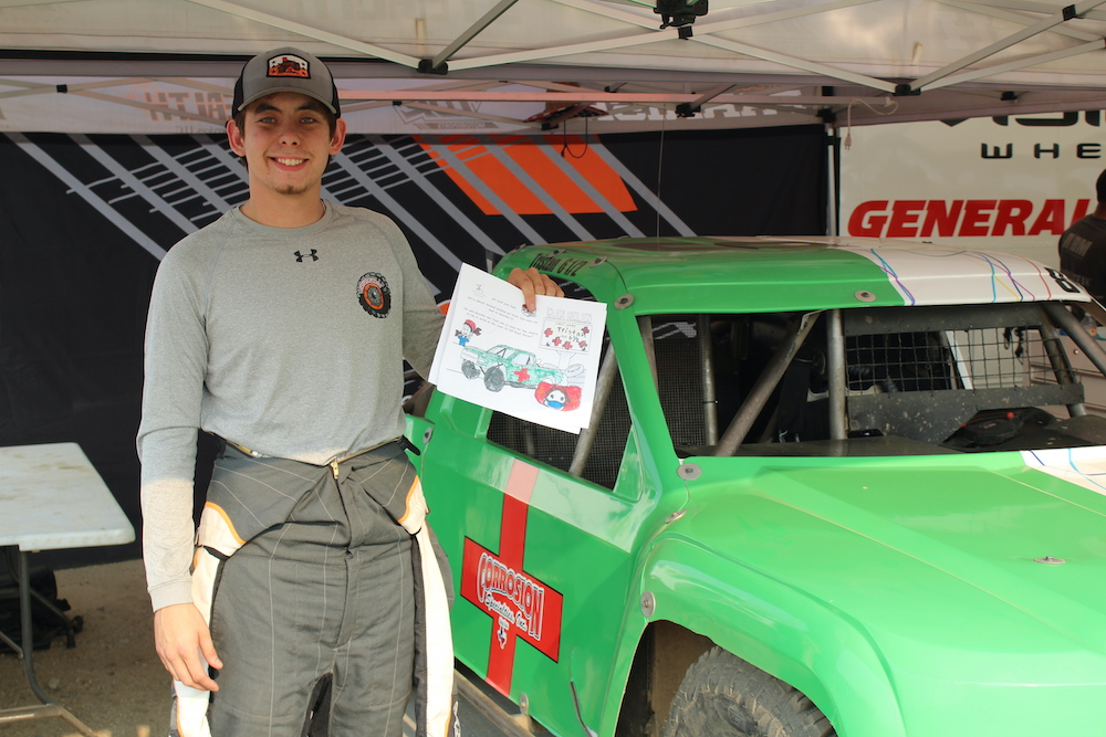201022 Lucas Oil and Stronghold Motorsports Support Special 2020 Finale Weekend with #Hoods2Help Campaign (2)