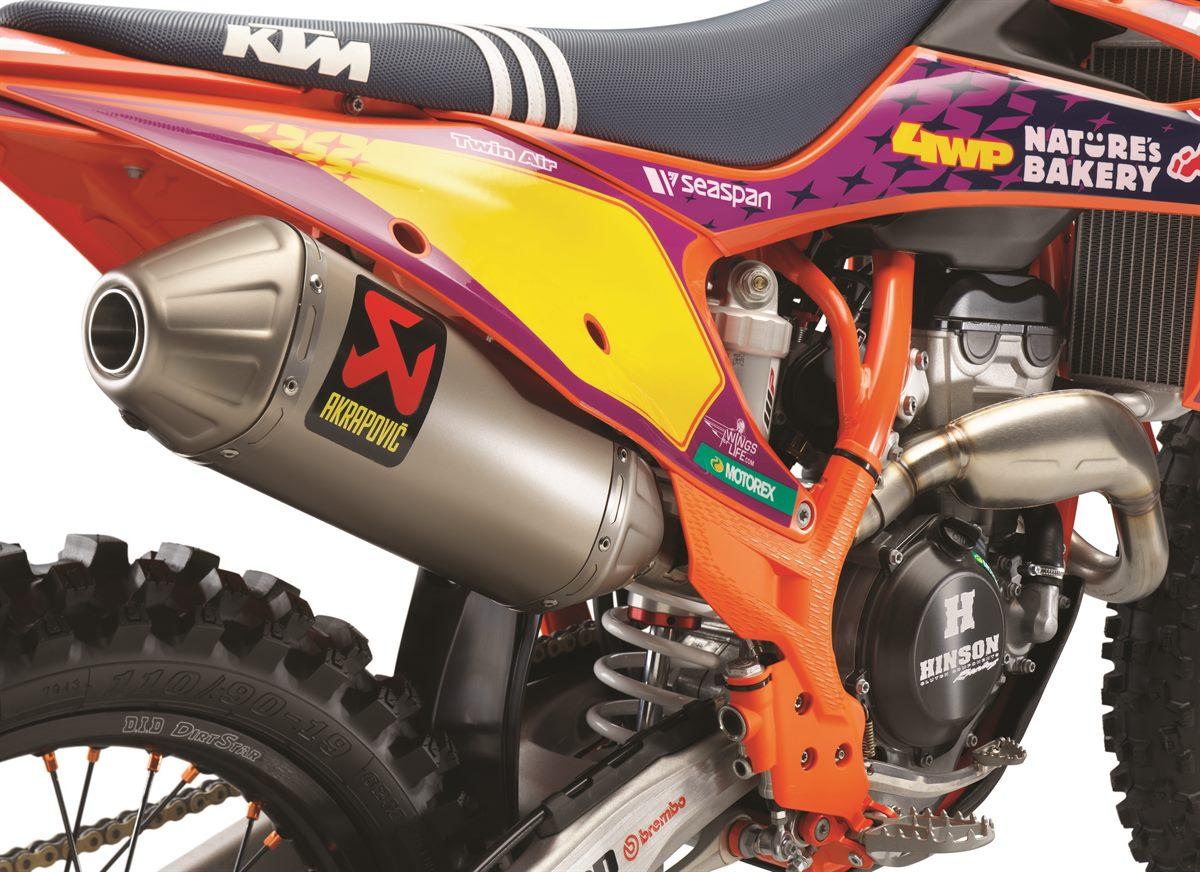 2021 KTM 250 SX-F TROY LEE DESIGNS_ Studio (5)