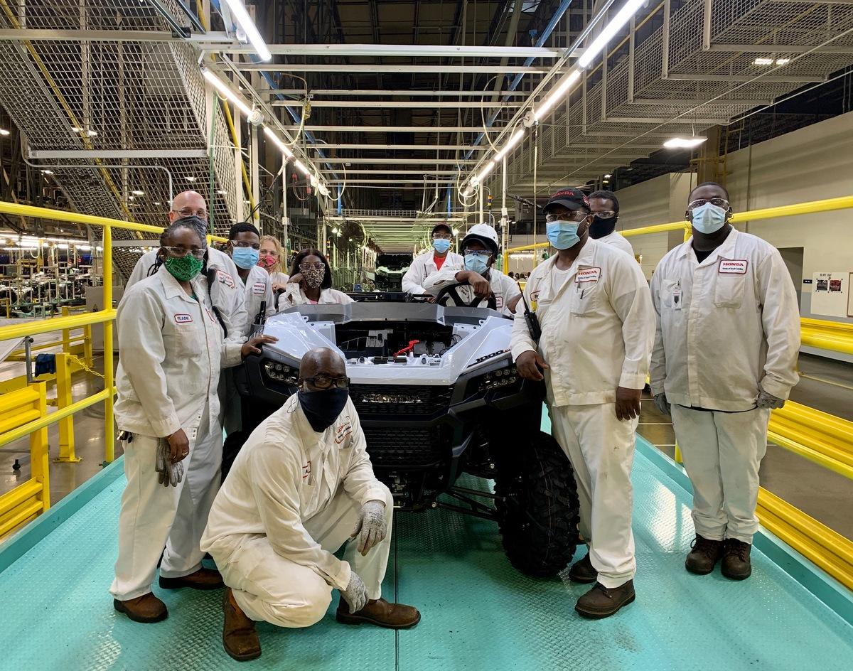 201113 Honda South Carolina Produces 300,000th Side-by-Side (1)