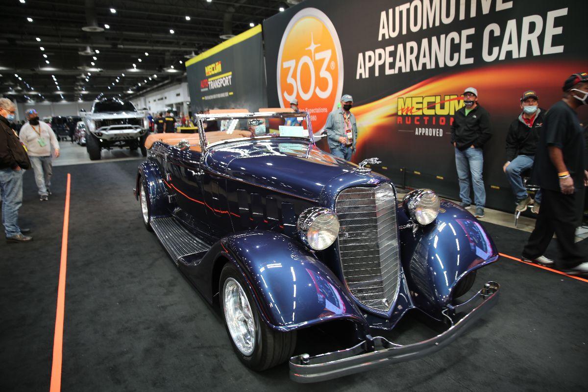 1934 Lincoln KA Convertible 502 CI, Automatic (Lot S143) sold at $137,500