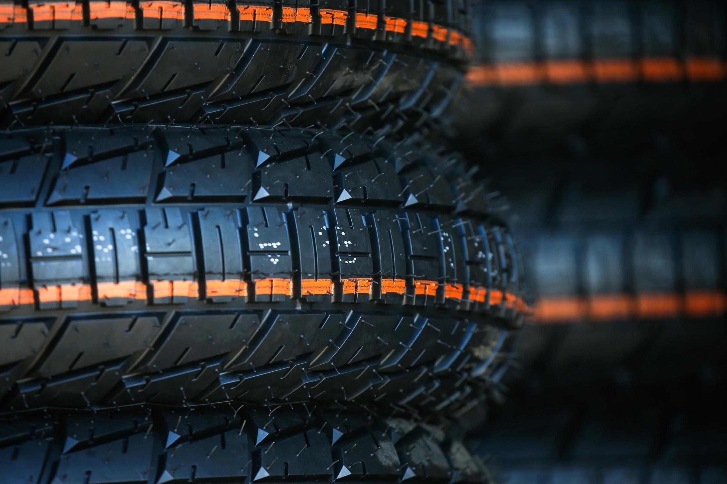 201210 Progressive AFT Sneak Peek- Dunlop Tire Test Day 2 (2)