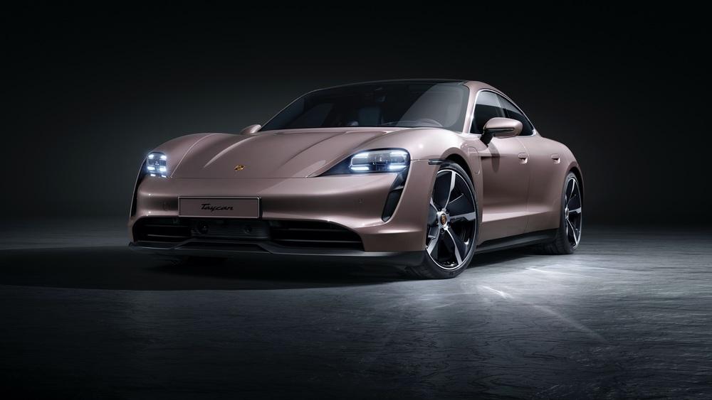 2021 Porsche Taycan (1)