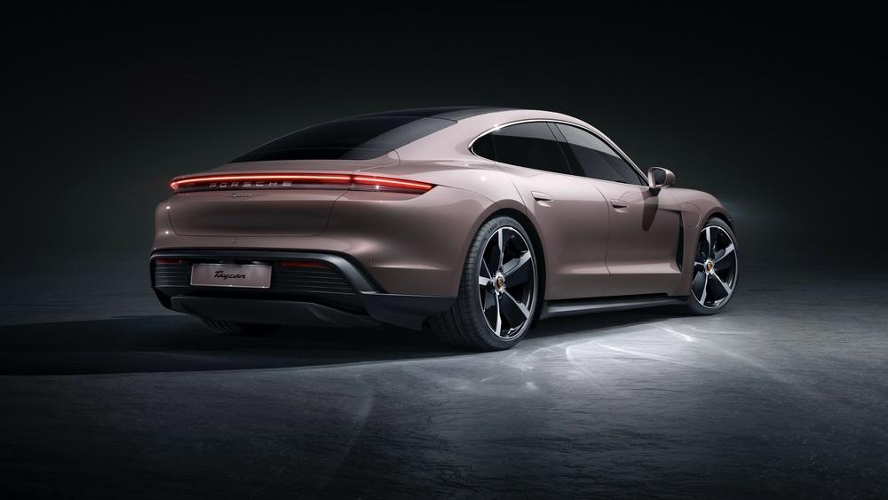 2021 Porsche Taycan (2)