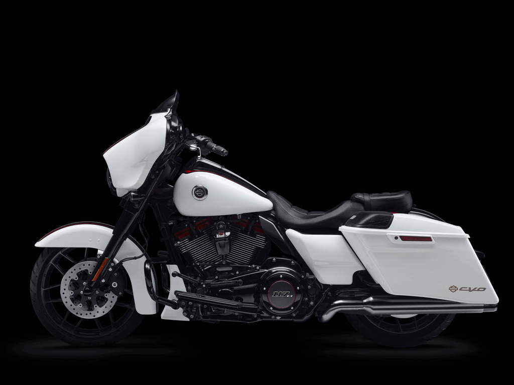 MY21 Key Features. CVO Street Glide.