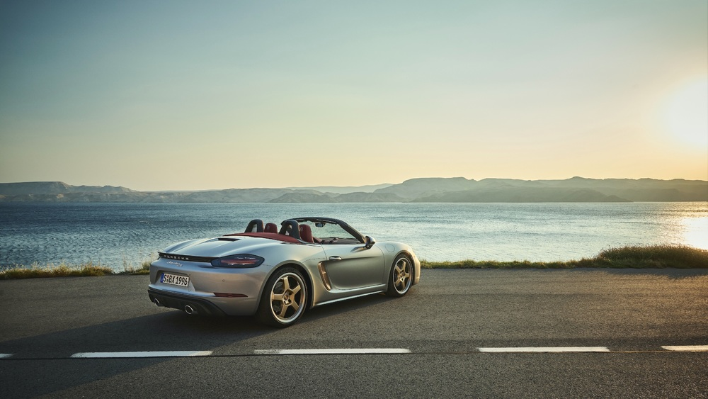 New limited-edition anniversary model- Boxster 25 years (2)