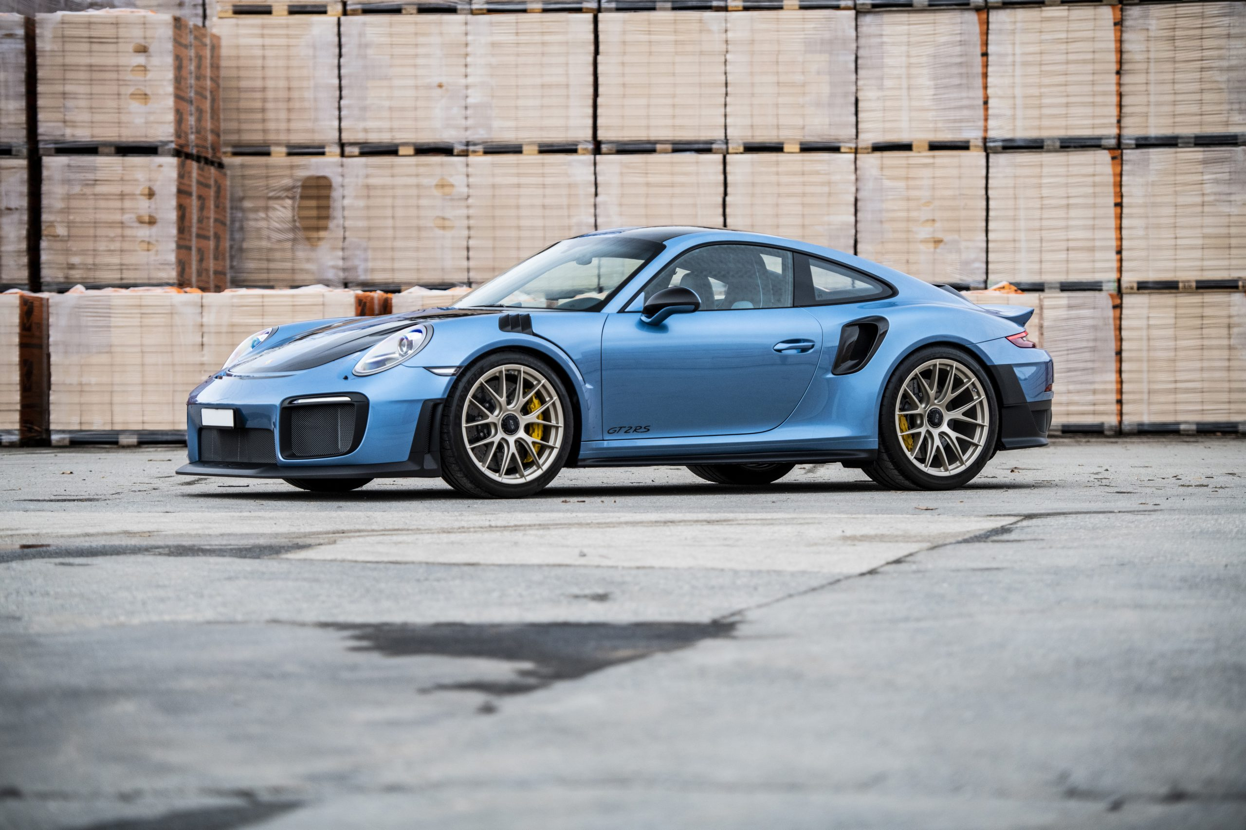 2018-Porsche-911-GT2-RS (4)