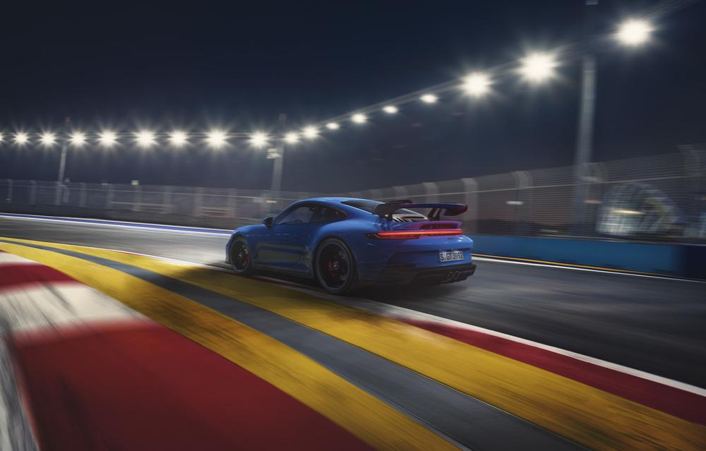 2022 Porsche 911 GT3 (1)